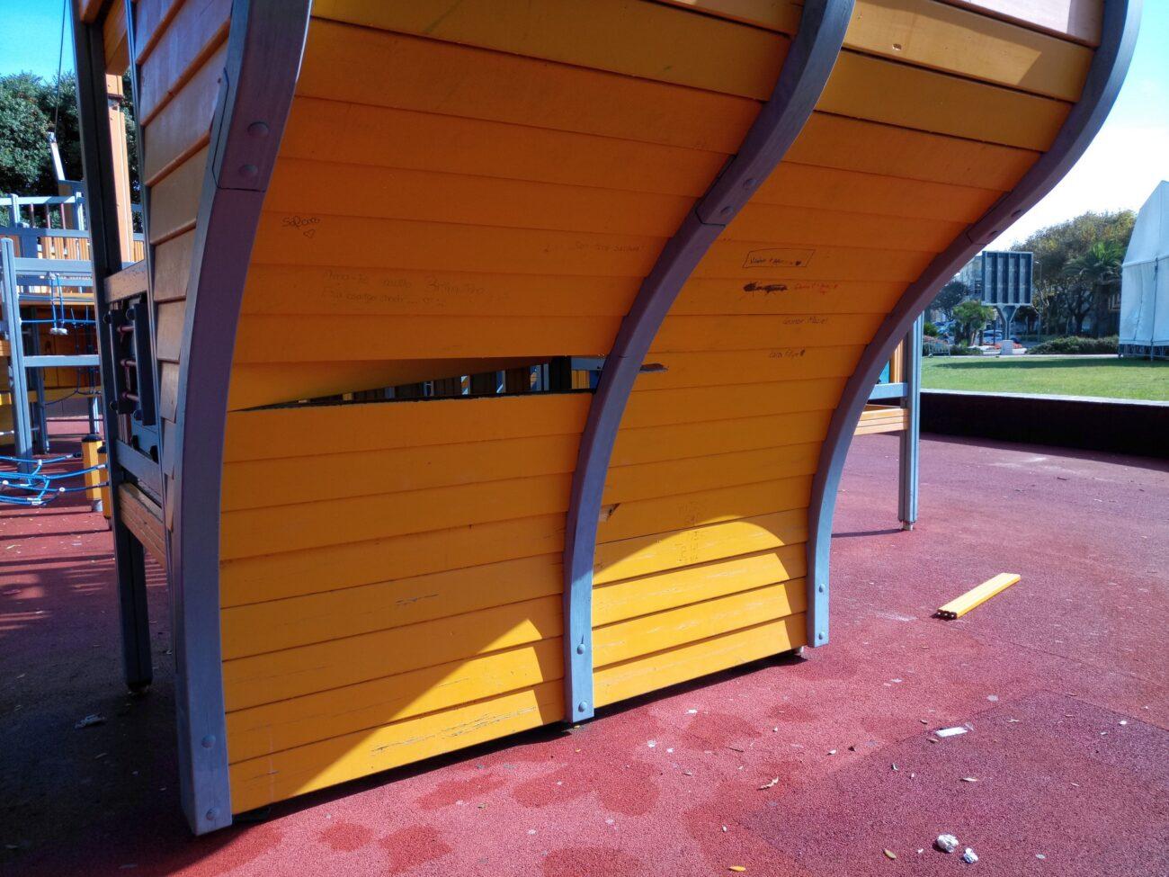 vandalismo_parque caravela_jpg